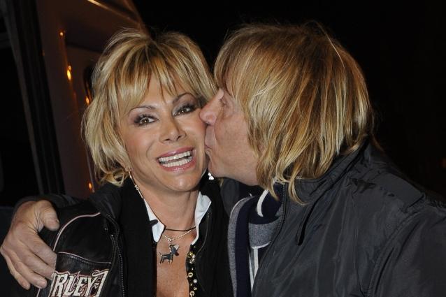 Carmen-Russo-mamma-parla-Enzo-Paolo-Maria-e-una-bambina-bellissima